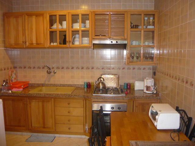 Gallery of accessoires cuisine placard de cuisine marocain for Modele placard cuisine bois